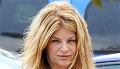 Kirstie Alley tells celebrities to beat up paparazzi: 'I applaud anyone who takes a swing'