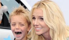 Britney Spears brings her boys to the Smurfs 2 premiere: super cute?