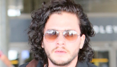 Kit Harrington in skinny jeans & a tight polo shirt at LAX: would you hit it?