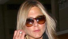 Jennifer Aniston rescheduled a flight to England to avoid Angelina Jolie