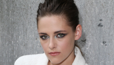 Are Kristen Stewart & Lane Garrison living together while they work on 'Camp X-Ray'?