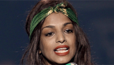 NFL demands M.I.A. pay $1.5 mil for her middle finger at 2012 Super Bowl