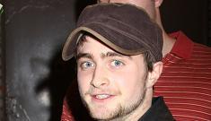 Daniel Radcliffe offers Obama girls a tour of Hogwarts