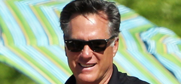 Mitt Romney vacations with his family in Hawaii, just like Pres. Obama