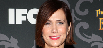 """""""Kristen Wiig's new hair looks great, but her dress is awful of course"""" links"""