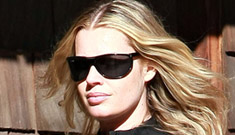 Rebecca Romijn looking incredible a month after having twins