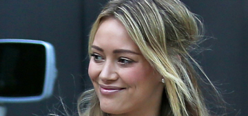 """""""Hilary Duff spends time with her son following her separation"""" links"""