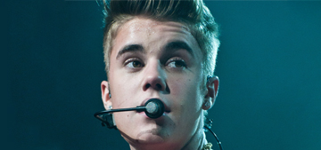 Justin Bieber turns himself in to Toronto police to face assault charges