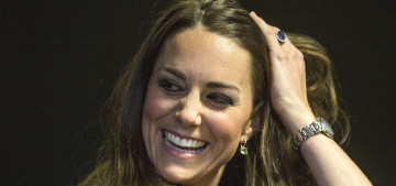 Duchess Kate's 'Marilyn moments' & flyaway hair analyzed in new article