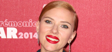 Scarlett Johansson in a Dior pantsuit at the Césars: elegant or too severe?