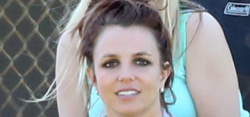 Britney Spears' burgundy hair looks faded at her sons' soccer game: cute?