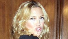 Kate Hudson installs stripper pole in bathroom