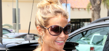 Does Denise Richards look really orange or is it just the lighting?