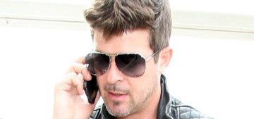 Robin Thicke threw a 'no-pants party' with five random club girls in NYC