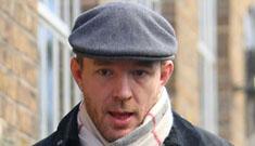 Guy Ritchie ordered to refilm 5 weeks worth of Sherlock Holmes scenes