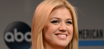 Kelly Clarkson posts daughter River Rose's first baby photo on Twitter: adorable?