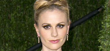 Anna Paquin dyed her hair 'mermaid' purple, blue & green: awesome?