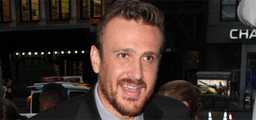 Jason Segel quit Twitter after fighting with fans over sandwiches & burritos