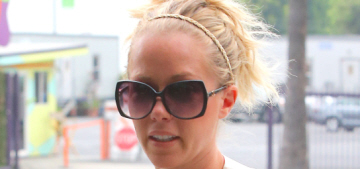 People: Kendra Wilkinson's marriage woes are 'affecting her milk production'