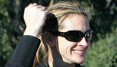 Julia Roberts shuns Oscars to spend time with family