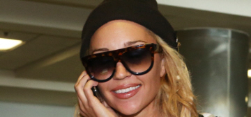 Amanda Bynes flew to LA & was immediately put on another 5150 hold