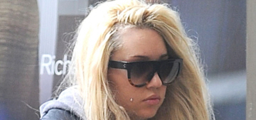 Amanda Bynes' parents are giving up on her & moving to Texas permanently