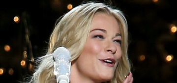 LeAnn Rimes bravely performed at CMA Christmas show despite 'throat pain'