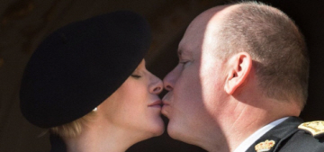 Prince Albert & Princess Charlene kiss for Monaco National Day: cute or gross?