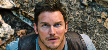 """""""The 'Jurassic World' trailer is as monstrous as you imagined"""" links"""