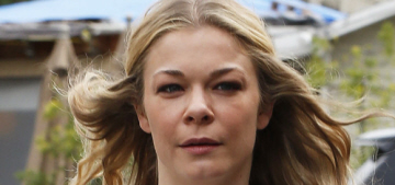 LeAnn Rimes wore a 'Every blondie needs a brownie by her side' t-shirt: cute?