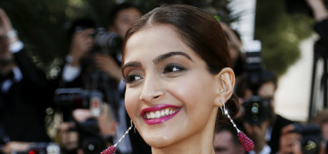 Sonam Kapoor in major Elie Saab: the best or the worst of Cannes?