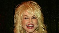 Dolly Parton denies lesbian rumors