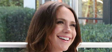 Jennifer Love Hewitt bares her baby bump to promote stretch mark cream