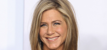 Jennifer Aniston & Julia Roberts sign on to Garry Marshall's 'Mother's Day'