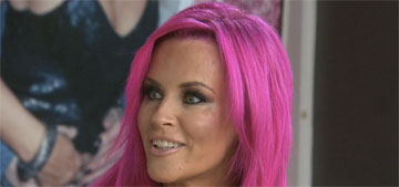 Jenny McCarthy dyed her hair fuchsia: striking or trashy?
