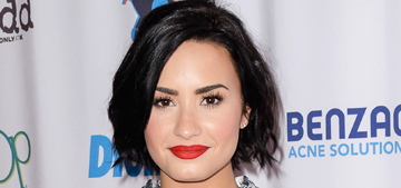 Demi Lovato lost her dog in 'a tragic accident' & asks her fans for privacy