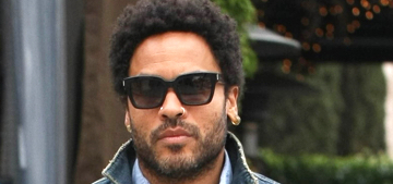 Lenny Kravitz's leather pants ripped in concert & he was going commando