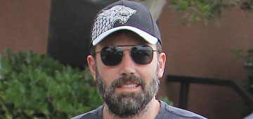 Ben Affleck took off his wedding ring finally: forgetful or deliberate?