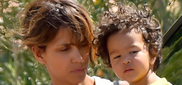 Halle Berry & Olivier Martinez step out for some family photo-ops: obvious?