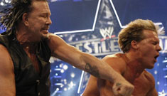 Mickey Rourke knocks out Chris Jericho at Wrestlemania