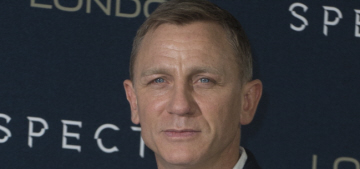 Daniel Craig shuts down pushy reporter begging him to 'pout': rude or funny?