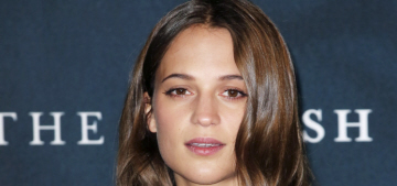 Alicia Vikander 'tells pals' she's going on a holiday vacay with Michael Fassbender