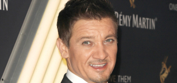 Jeremy Renner finalized his divorce, Sonni Pacheco gets $13,000 a month