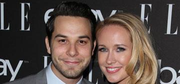 Anna Camp and Skylar Astin are aca-engaged: cute couple?