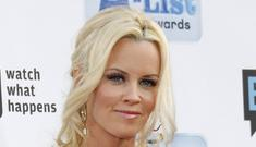 Jenny McCarthy said paparazzi fall was 10k dare from Chelsea Lately