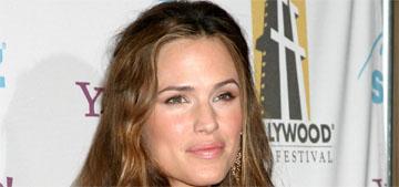 Buzzfeed: How Jennifer Garner went from action star to minivan mom