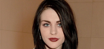 Frances Bean Cobain files for divorce, seeks to protect her $450 million fortune