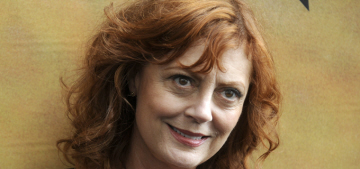 Susan Sarandon & Debra Messing are Twitter-beefing about Bernie Sanders