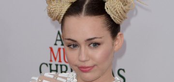 Miley Cyrus got her ass handed to her by one of her cats: Team Dog?