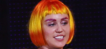 """""""Miley Cyrus insisted the ringed planet is Jupiter, not Saturn"""" links"""